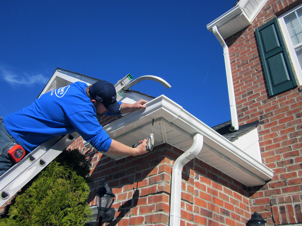 Gutter Repair and Replacement Tips