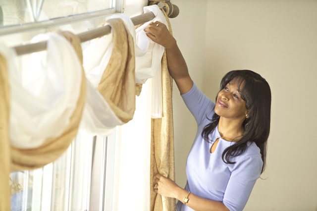How to Hang Curtains Yourself